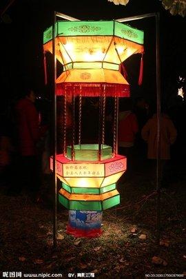中国历代花灯的制作十分讲究,品种繁多.