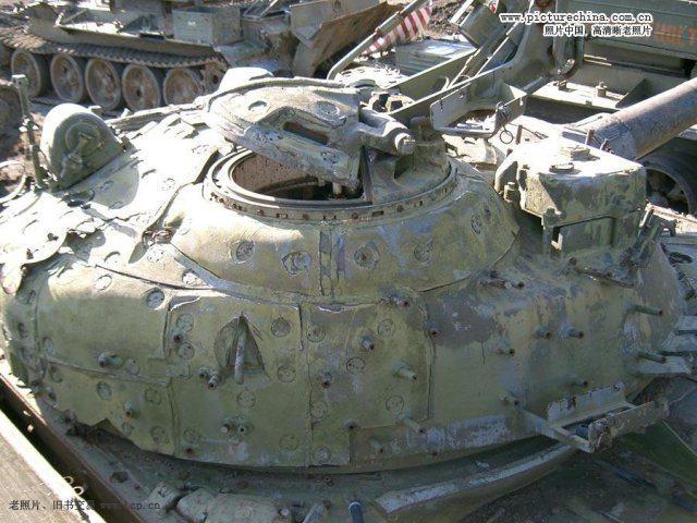 坦克上的防辐射层,用于挂甲的螺栓历历在目